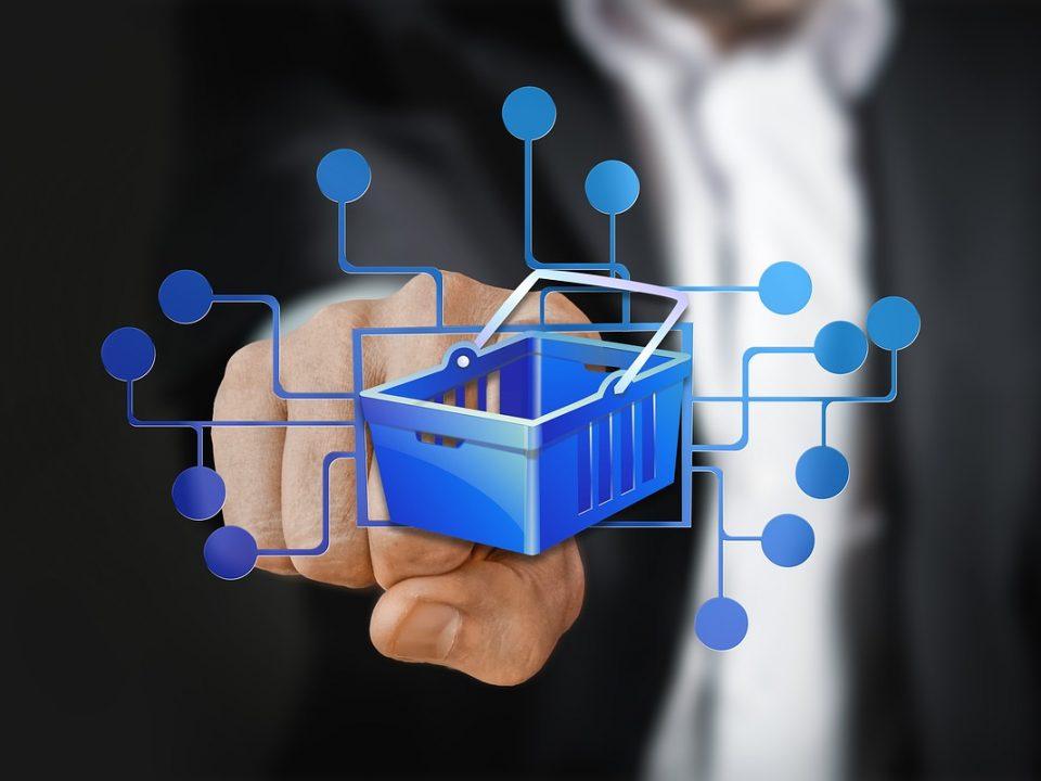 Symbolbild für Online Shop mit bleuem Einkaufskorb